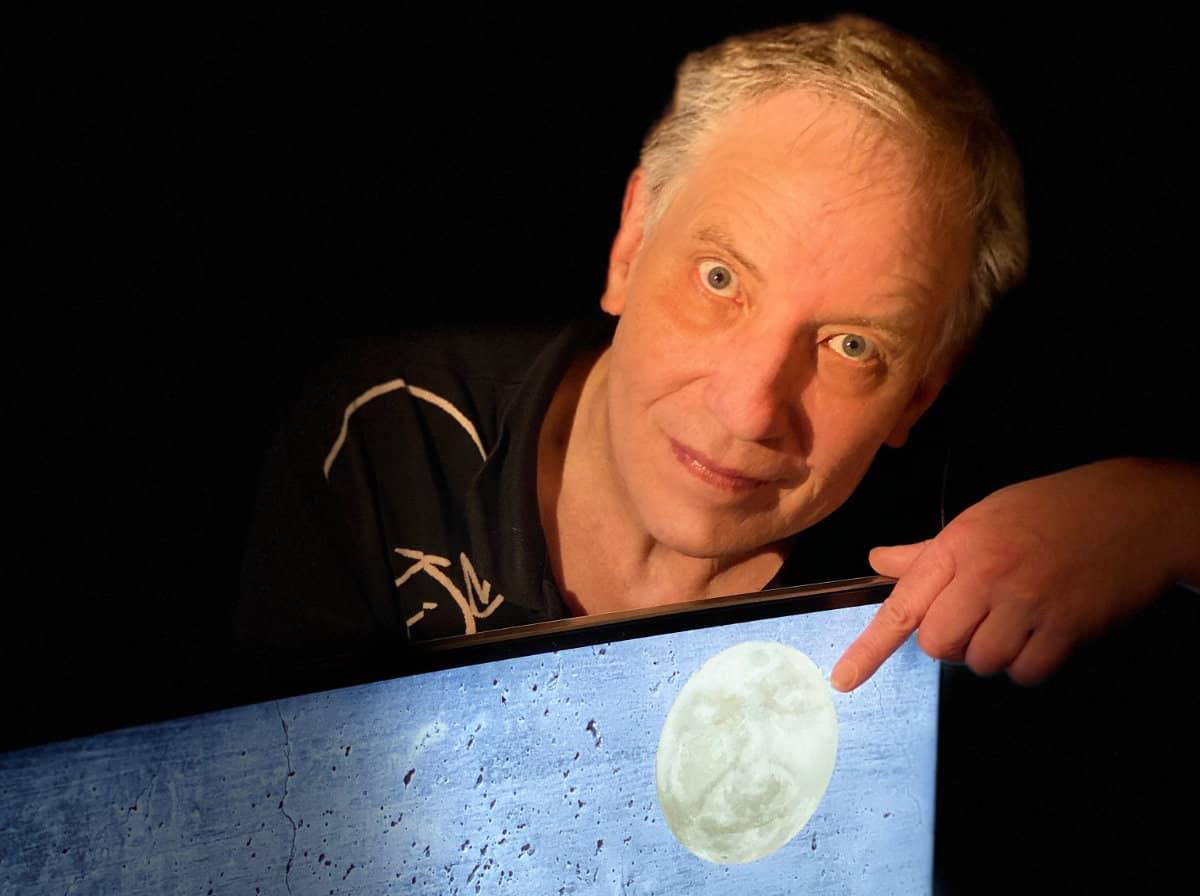 Bernhard Lloyd - Man in the Moon